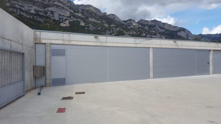 puerta enrollable aluminio industrial, puertas enrollables aluminio inudstrial, instalacion puertas de aluminio industriales