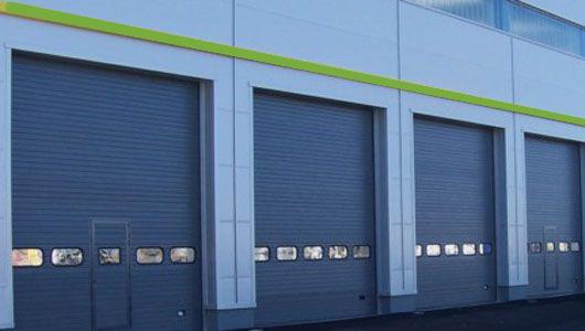 Puerta apilable, puerta industrial, puerta rapida, puerta para nave industrial, instalación puerta apilable, instalacion puerta apilable, puerta rapida apilable, puertas apilables aluminio, puertas apilables de vidrio