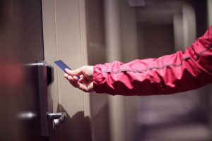 control acceso puerta