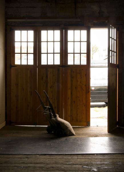 puerta de garaje con acceso petaonal